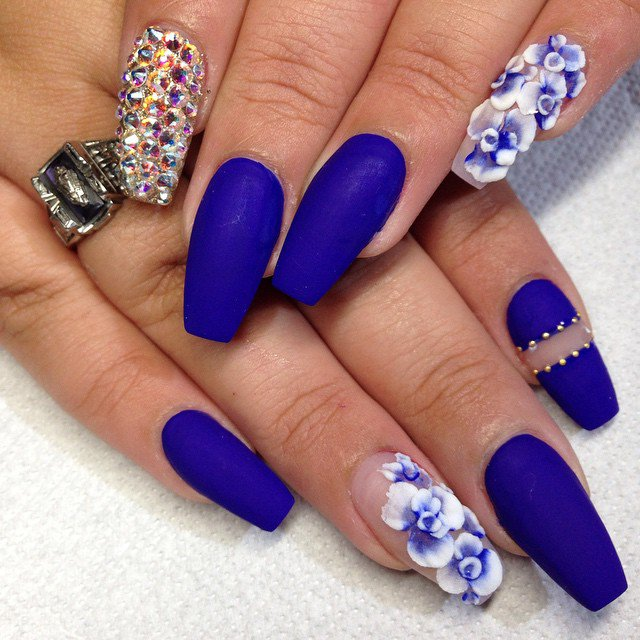 Blue Nail Art To Be Matched With Your Summer Outfits